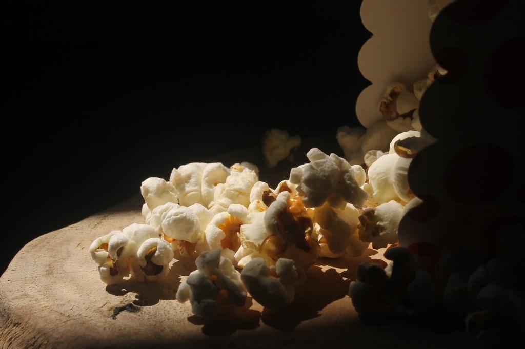 Popcorn in silhoutte